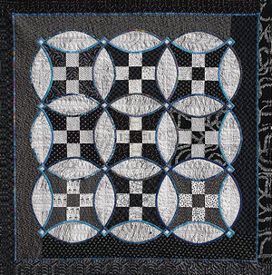 Picture of the Knotwork Nine Patch quilt.